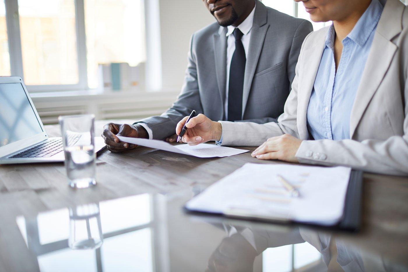 compliance-team-desk1-1400