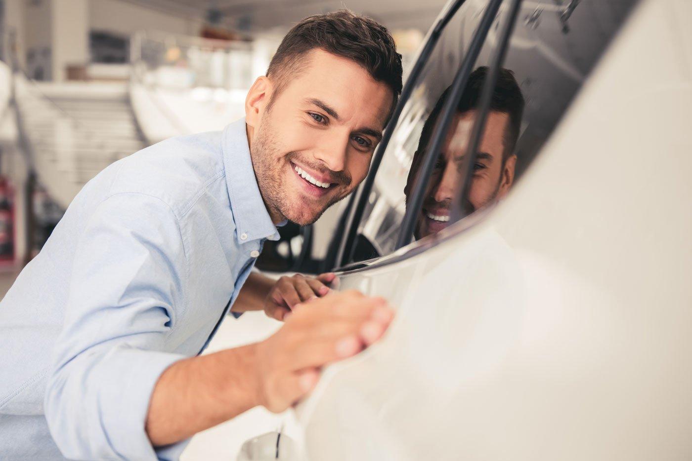 happy-customer-car-1400